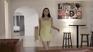 Mature pornstar Sovereign Syre drops on her knees to make him hard