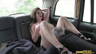 Anal finger banging and rough sex for Tasha Holz and her cabbie