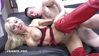 La France A Poil - Gorgeous Big Titted Squirt Mom Fucke