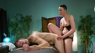 Slanderous femdom by naked Lilith Luxe