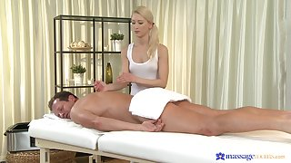 Masseuse ends up putting the client's dick up her fine holes