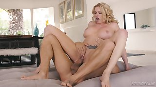Stacked starlet Briana Banks reminds us why she's one of the best