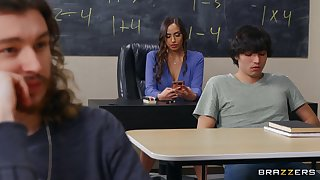 Sexy educator Desiree Dulce cannot properly concentrate