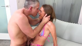 MILF can't escape getting scored after such hot cunnilingus