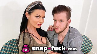 Fuckboy convinces MILF from France to fuck! SNAP-FUCK.com