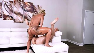 Hot bodied milf is in the best shape of her life