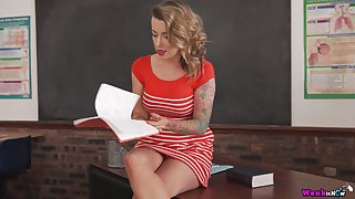 Amazing sexy leggy tutor Charlie Z teases her drenched pussy on the table