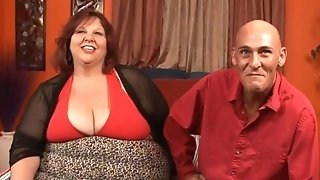 Stud missionaty penetrating along to poop ouf of supersized plumper mature porn tube