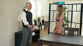 Nice though pale masseuse Quinn Wilde gives BJ and rides dick in parlor