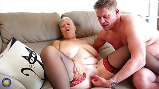 Short haired mature amateur granny Savana pounded after a blowjob
