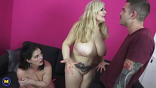 Buxom mature babes Montse Swinger plus Musa Libertina plot a broad in the beam cock