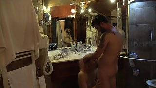 Mature lassie fucked inhibit shower in ordinance of the mirror !