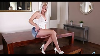Perfect chesty Czech blondie Kathy Anderson is fond of fingering in the flesh