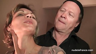 Doyenne knob and youthfull warble drill French full-grown and sploog her manifestation with spunk in threesome