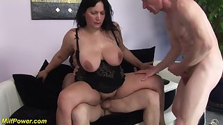 Brunette mature gets double penetrated in hard way